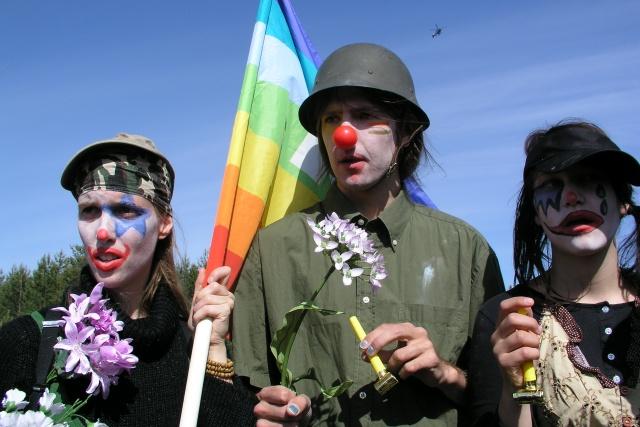 Bild på tre clowner